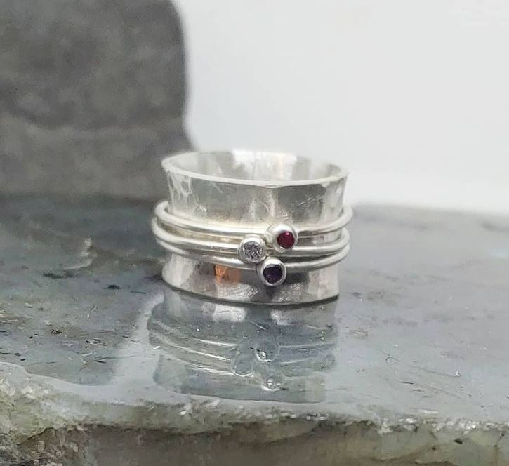 picture of birthstone spinner ring